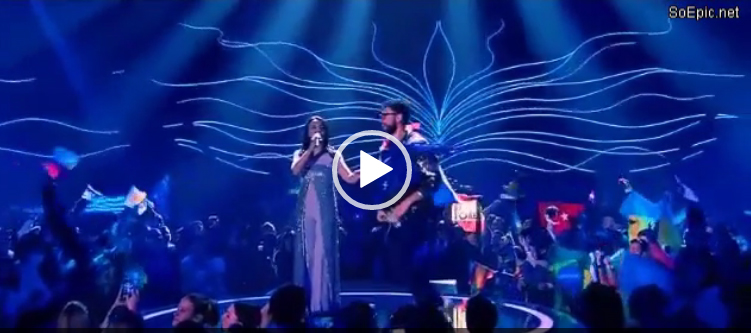 Man shows his ass on Eurovision 2017